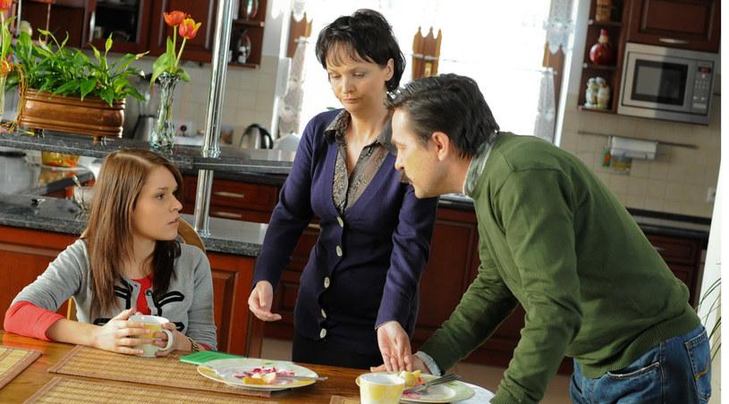 Czy Natalia weźmie sobie do serca rady rodziców i zakończy swój romans z żonatym Łukaszem? /Agencja W. Impact