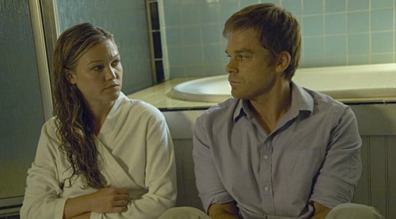 Dexter i Lumen /Kadr z serialu /