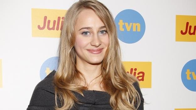 Dla Julii Rosnowskiej rola w serialu TVN-u jest aktorskim debiutem /AKPA