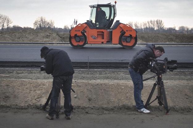 Dzięki ślepemu zrządzeniu losu uda nam się uniknąć kompromitacji, związanej z opóźnieniami w budowie nowoczesnych dróg /Fot. Piotr Piwowarski /se.pl