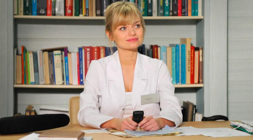 """Emilia Komarnicka w """"Na dobre i na złe"""" wciela się w """"House'a w spódnicy /Agencja W. Impact"""