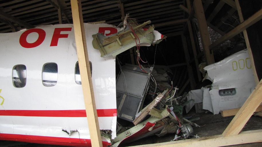 Fragment kadłuba prezydenckiego samolotu dwa lata po katastrofie /Przemysław Marzec /RMF FM