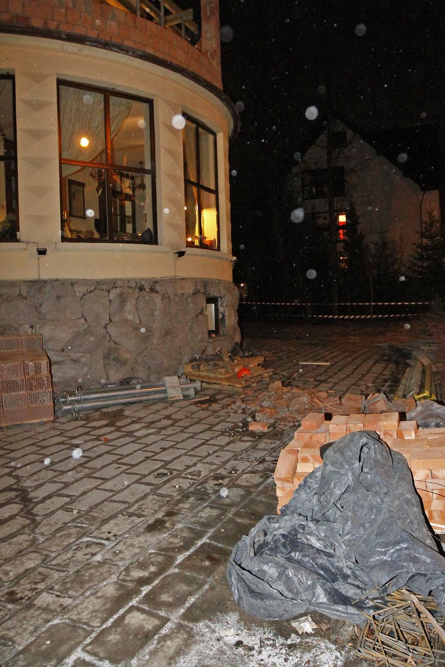 Fragment muru, który ranił robotnika /Maciej Pałahicki /RMF FM