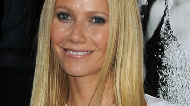 "Gwyneth Paltrow w ""Glee"" śpiewa jako Holly Holliday /AFP"