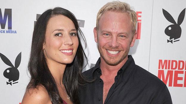 Ian Ziering z żoną Erin Ludwig /AFP