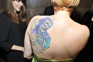 Imponujących rozmiarów tatuaż na plecach Romy Gąsiorowskiej /AKPA