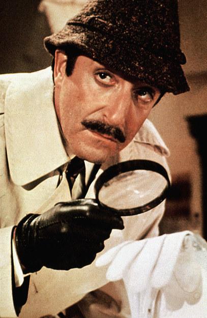 Inspector Jacques Clouseau na miejscu zbrodni /AKPA