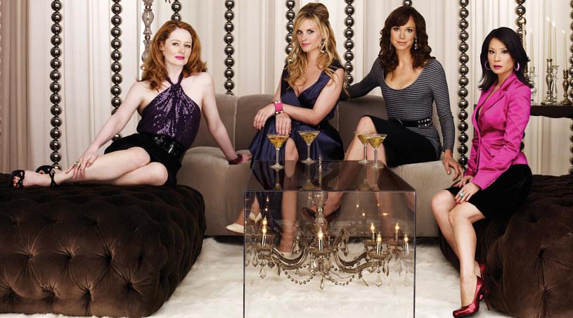 Kobiety sukcesu: (od prawej) Mia (Lucy Liu), Zoe (Frances O'Connor), Caitlin (Bonnie Somerville) i Juliet (Miranda Otto). /Polsat /materiały prasowe
