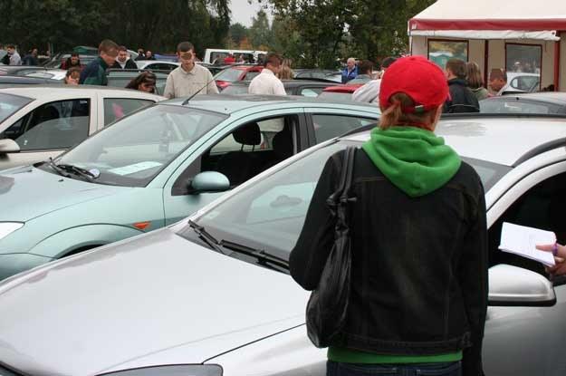 Kupno używanego samochodu to jak skok na główkę do basenu bez sprawdzenia, czy jest w nim woda
