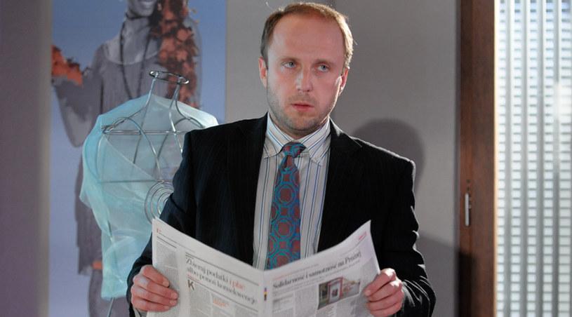 """Łukasz Simlat w """"BrzydUli"""" /Agencja W. Impact"""