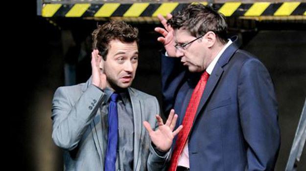 Marcin Hycnar i Wojciech Malajkat na scenie /Agencja W. Impact