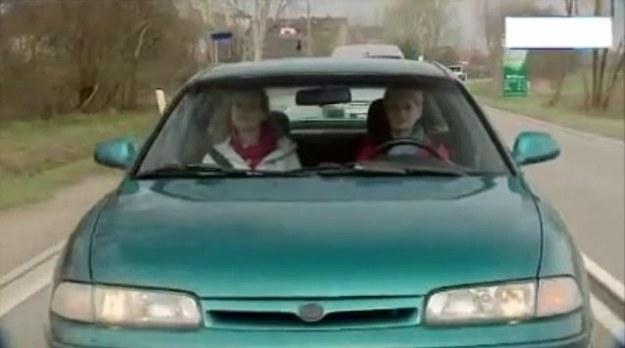 Mazda nie dorzuciła się do filmu, więc auto straciło logo /