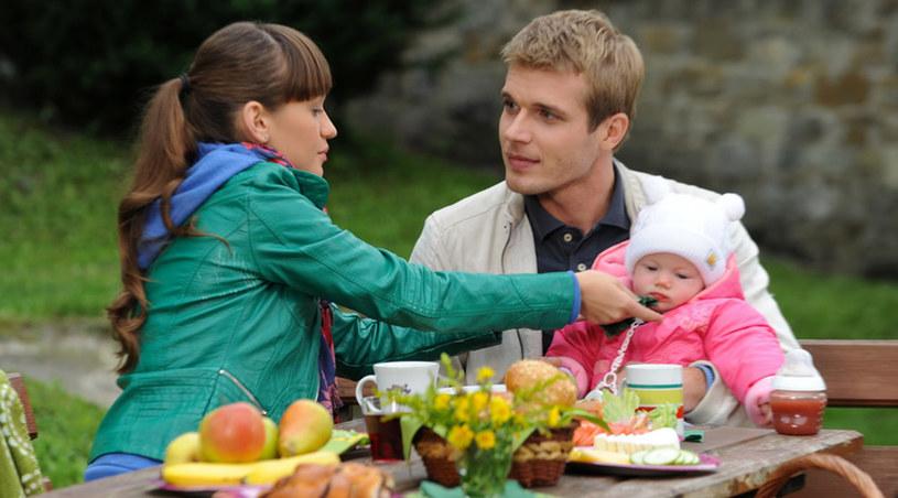 Michał pomaga Majce w poszukiwaniach ojca /Agencja W. Impact
