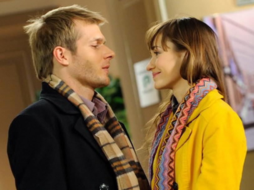Michał (Tomasz Ciachorowski) oraz Majka (Joanna Osyda) świetnie się rozumieją... /Agencja W. Impact
