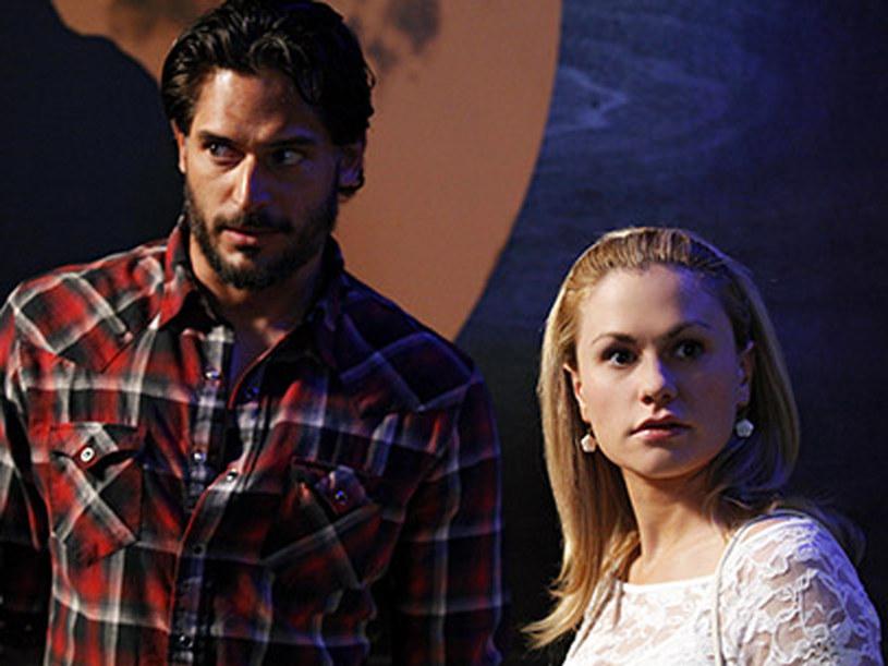 Między tą dwójką rodzą się emocję, których nie są w stanie opanować /Copyright © HBO Home Box Office Inc. All rights reserved. /materiały prasowe