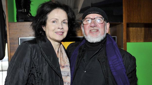 Modelka Małgorzata Niemen i projektant Jerzy Antowiak  - święcili trumfy w Modzie Polskiej w latach 70. i 80. /AKPA
