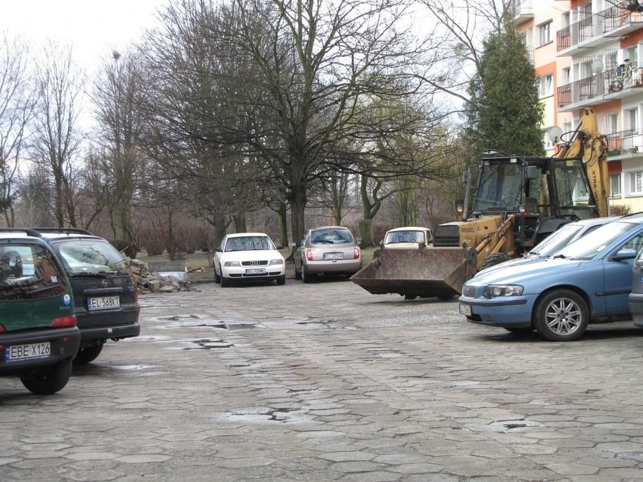 Na osiedlu im. Mikołaja Reja kłopoty z parkowaniem  stanowią codzienność /Agnieszka Wyderka /RMF FM