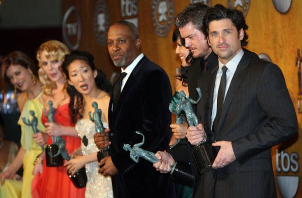 "Obsada ""Chirurgów"" podczas Screen Actors Guild Awards /AFP"