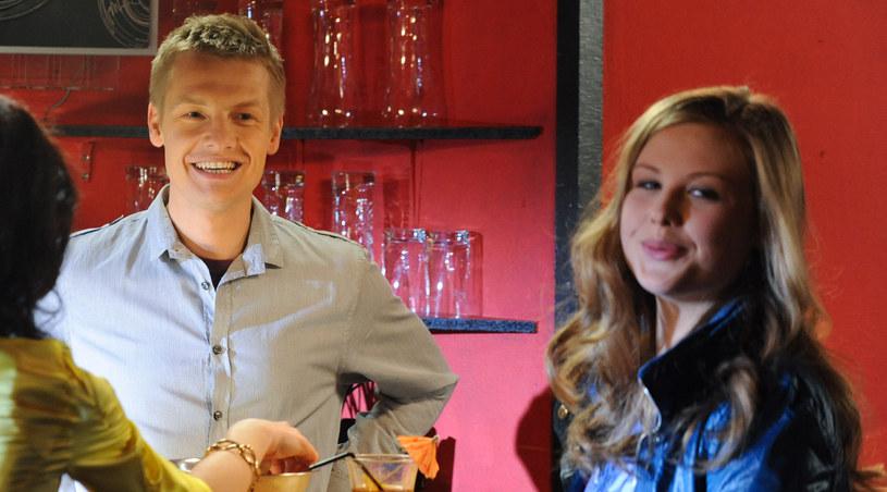 Ola (Anna Karczmarczyk) pragnie zbliżyć się do Pawła /Agencja W. Impact