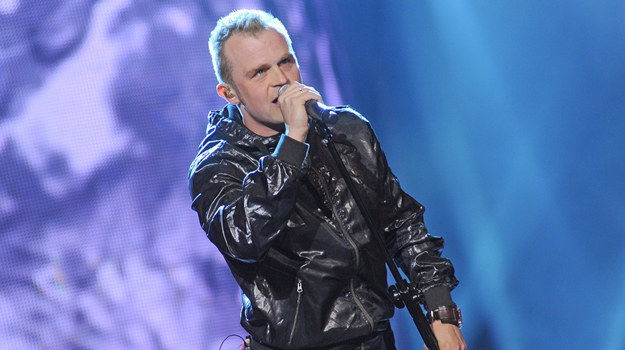 Piotr Rogucki - wokalista Comy /AKPA