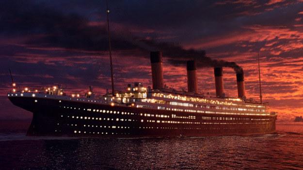 """Plakat filmu """"Titanic"""", w reżyserii Jamesa Camerona, z 1998 roku /materiały prasowe"""