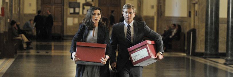 Praca prawnika to nie tylko płomienne przemowy. To także noszenie pudeł z aktami sprawy. /materiały prasowe