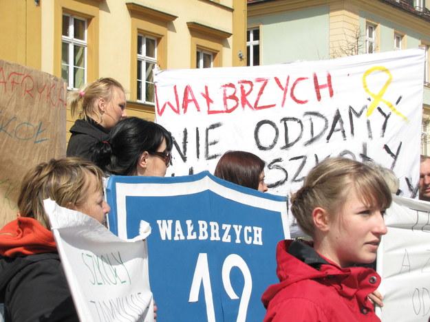 Protest przeciwko likwidacji szkół we Wrocławiu /Barbara Zielińska-Mordawska /RMF FM