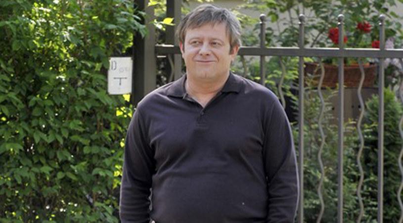 Roman Pyrka (Olaf Lubaszenko) wyląduje w szpitalu /Kurnikowski /AKPA