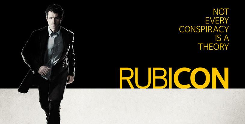 """""""Rubicon"""" był kolejną ciekawą propozycją od AMC, przedstawiający ogólnoświatową teorię spiskową i nawiązującym m.in. do """"Trzech dni kondora"""". Niestety wyniki oglądalności nie wystarczyły, by stacja kupiła dla serialu drugi sezon /AMC /materiały prasowe"""