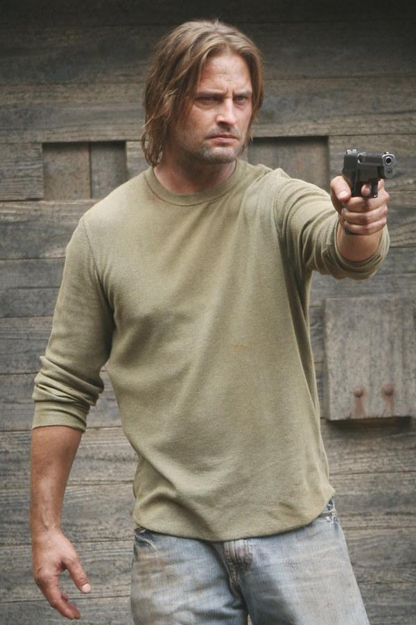 Sawyer, jak zwykle, się nie cacka /AXN