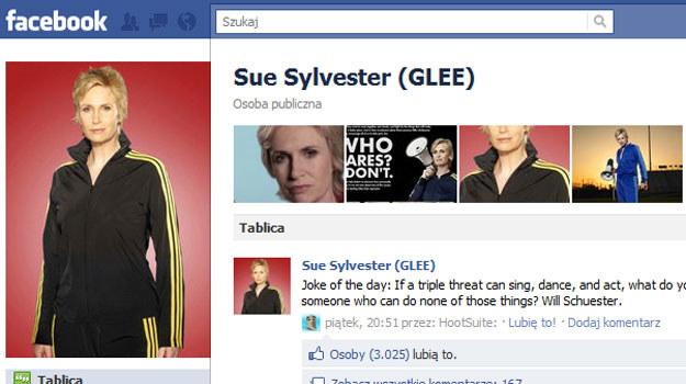 Sue Sylvester - najpopularniejsza serialowa gwiazda. Jej facebooka lubi aż 845 tysięcy fanów. /facebook.com