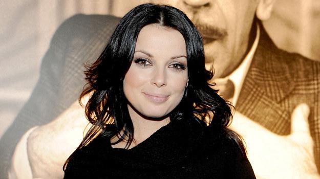 """Szkołę aktorską ukończyła w 2001 roku, ale popularność zdobyła dopiero dzięki serialowi """"Barwy szczęścia"""". W tym roku zagrała też duże role w komediach """"Och, Karol 2"""" i """"Wyjazd integracyjny"""". /Agencja W. Impact"""