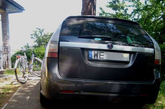 """Turyści z innych regionów starają  się unikać miejscowości zapchanych samochodami z rejestracją zaczynającą się od  """"W"""""""