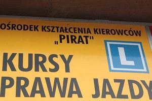 """W Polsce  nie brakuje ośrodków szkolenia kierowców, które mają w swojej nazwie słowo """"pirat"""""""