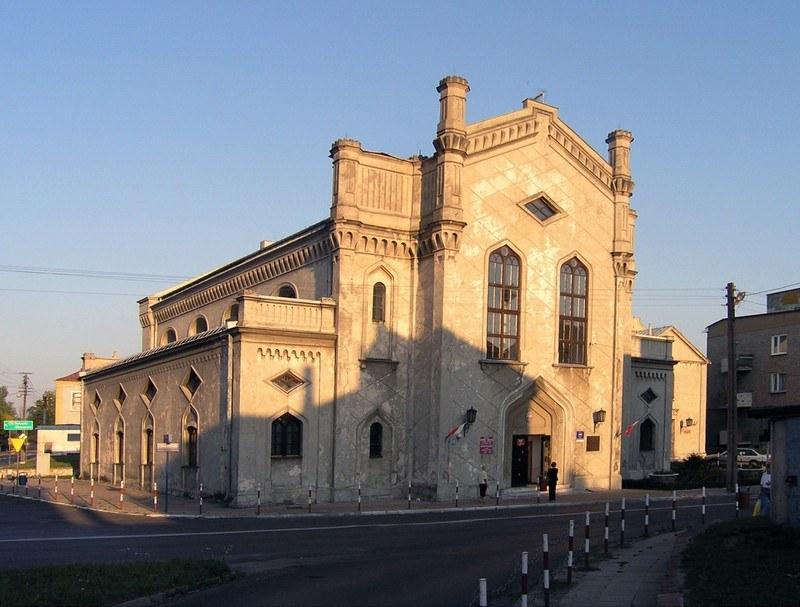 Wielka syngoga wybudowana miedzy 1791-1793 w Piotrkowie Trybunalskim. /East News
