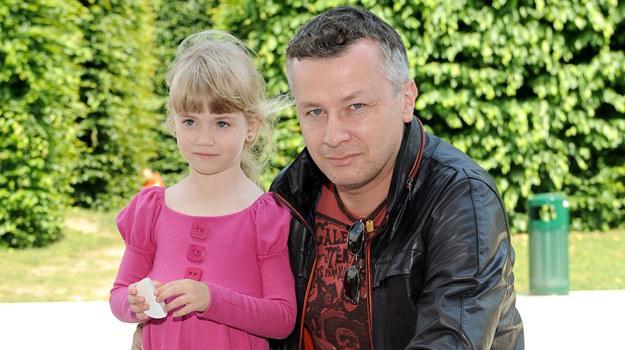 Wojciech Majchrzak zabrał córkę na piknik /Agencja W. Impact