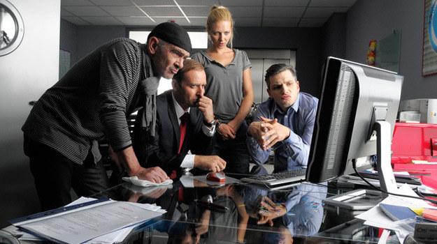 """Wre praca w telewizyjnej redakcji serialowych """"Wiadomości z drugiej ręki"""" /Agencja W. Impact"""