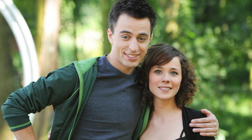 Zakochana para: Ola (Dominika Kojro) i Mikser (Błażej Michalski) /Agencja W. Impact