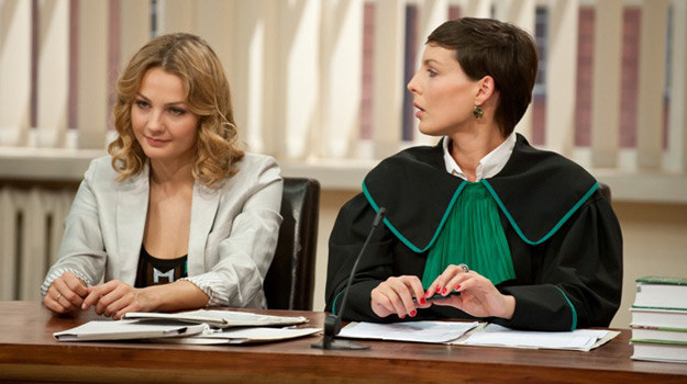 Zuza (Małgorzata Socha) w sądzie /materiały prasowe
