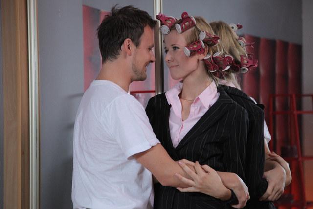 Zyta (Magdalena Stam) i Michał (Daniel Zawadzki) tylko ze sobą są naprawdę szczęśliwi /Agencja W. Impact