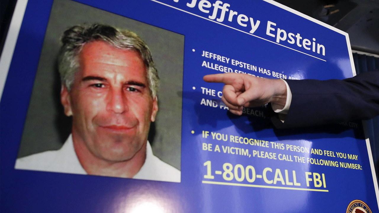 """""""Dostał 12-latki w prezencie"""". Śledztwo francuskiej prokuratury w sprawie Epsteina"""