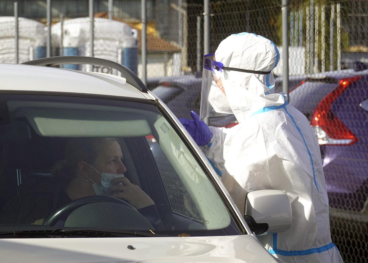 """""""Doszliśmy do ściany"""". Laboratoria nie nadążają z testami na koronawirusa"""