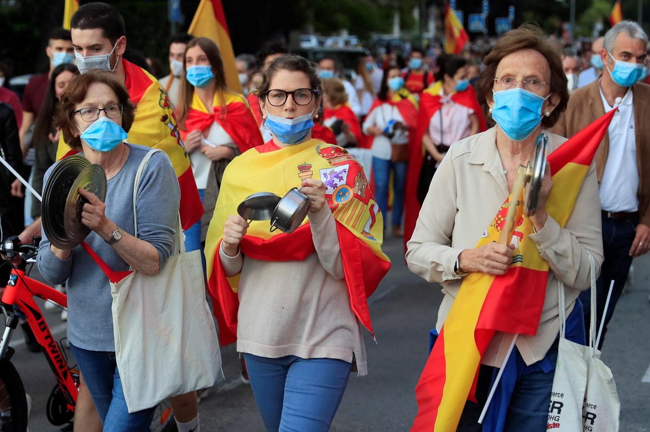 """""""El Mundo"""": Hiszpanie odreagowują kwarantannę na nielegalnych imprezach"""