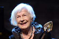 """""""Każda jej rola błyszczy jak kryształ"""". W wieku 102 lat odeszła Danuta Szaflarska"""