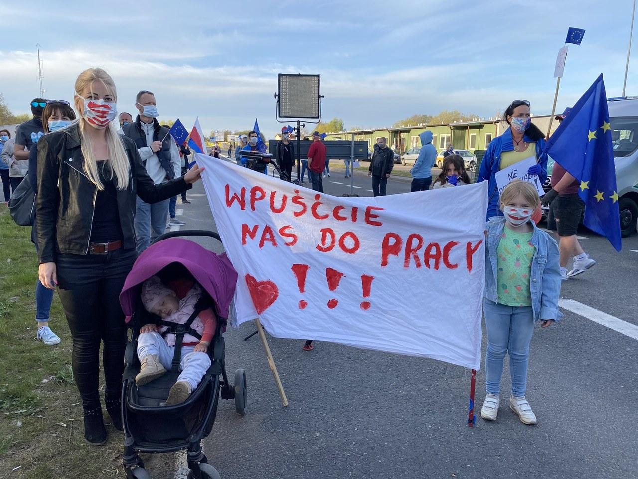 """""""Ludzie tracą pracę, wiele jest rozdzielonych rodzin"""". Protest mieszkańców pogranicza"""
