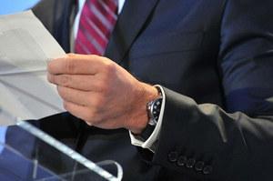 """""""Najgorszy  minister w historii""""  spojrzał na zegarek  i doszedł do wniosku, że jego czas już minął"""