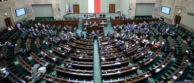 """""""PiS przestraszyło się polskich kobiet"""". W Sejmie dziś głosowanie ws. aborcji"""