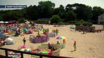 """""""Raport"""": Bałtyk czy zagraniczne plaże? Koszt rodzinnych wakacji"""