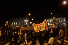 """""""Rządowi odbiła palma"""". Marsz środowisk prawicowych w Warszawie"""