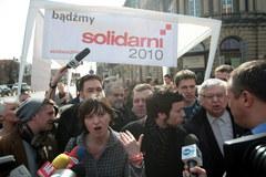 """""""Solidarni 2010"""" wrócili z namiotem przed Pałac Prezydencki"""